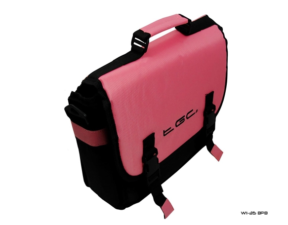 Product Photo/Baby Pink & Black Messenger Style Padded Carry Case Bag for Portable DVD Players/Click to view.