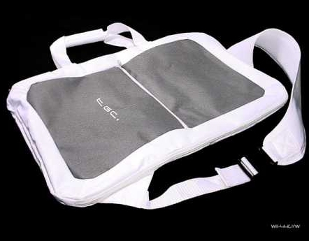 Product Photo/Nintendo Wii Fit TGC © Grey & White Balance Board Bag/Click to view.
