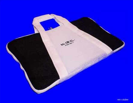 Product Photo/Nintendo Wii Fit TGC © Black & White Balance Board Bag/Click to view.